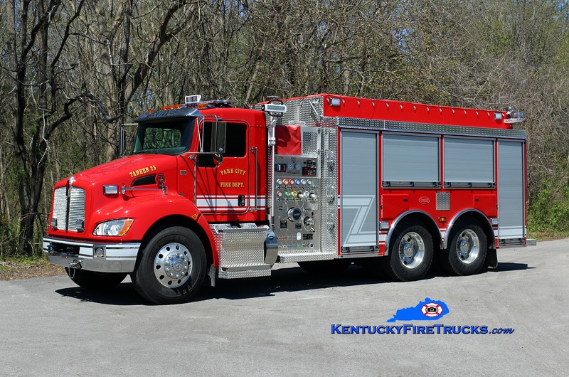Park City  Tanker 25<br /> 2017 Kenworth T-300/Deep South 1250/2500/30<br /> Kent Parrish photo