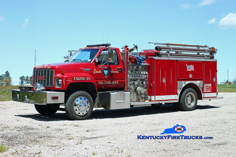 <center> RETIRED <br> South Barren  Engine 85 <br> x-Pine Island, FL <br> 1991 GMC TopKick/E-One 1000/500 <br> Kent Parrish photo </center>