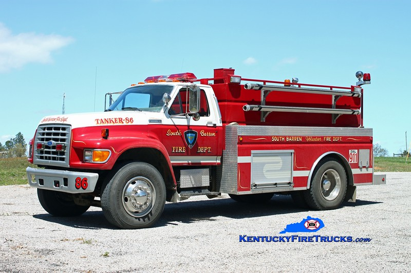 <center> South Barren  Tanker 86 <br> 1995 Ford F-750/Wynn 0/2000 <br> Kent Parrish photo </center>