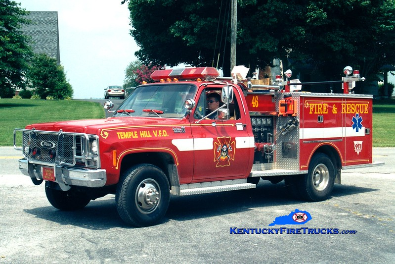 <center> Temple Hill Rescue 46 <br> x-Alden, NY <br> 1979 Chevy 4x4/Pierce 250/250 <br> Greg Stapleton photo </center>