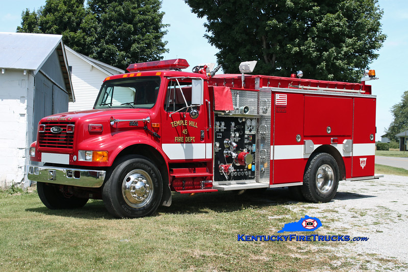 <center> Temple Hill  Engine 45 <br> 2001 International 4900/Pierce 1250/1000 <br> Kent Parrish photo </center>