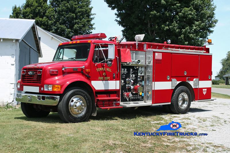 <center> Temple Hill  Engine 45 <br> 2001 International 4900/Pierce 1250/1000 <br> Kent Parrish photo </center>