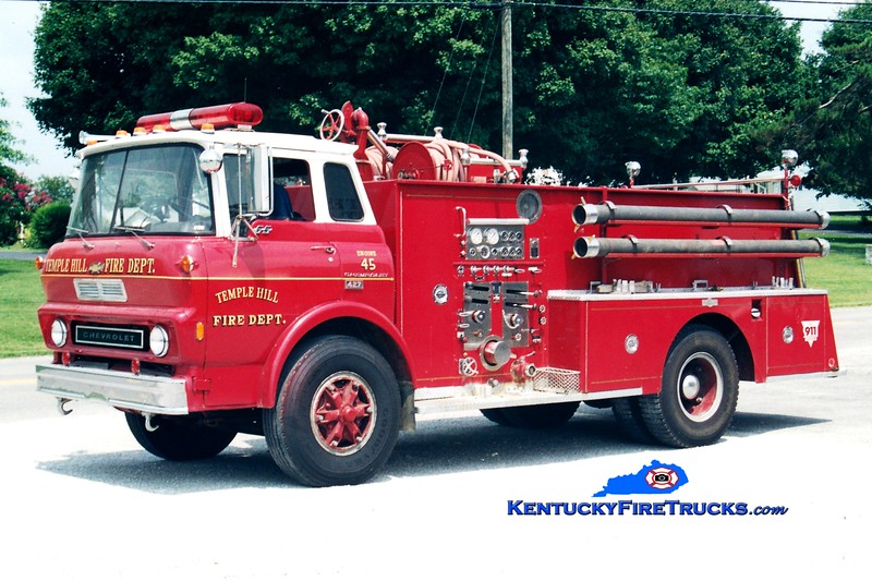 <center> RETIRED <br> Temple Hill  Engine 45 <br> x-Glasgow, KY <br> 1973 Chevy/Pirsch 1000/500<br> Greg Stapleton photo </center>