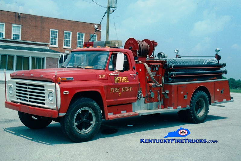<center> Bethel  Engine 1 <br> x-Rhodelia, KY <br> 1970 Ford F/Darley 500/500<br> Greg Stapleton photo </center>