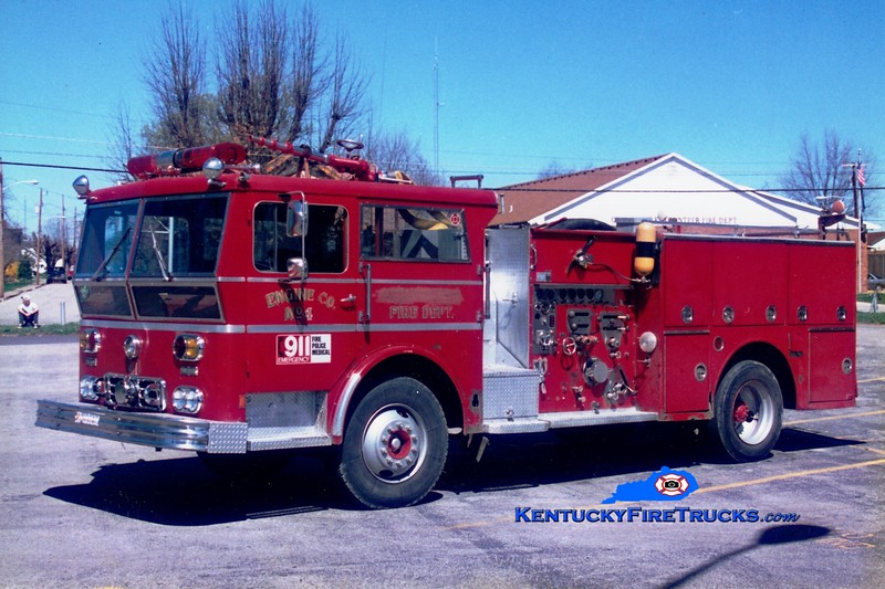 <center> RETIRED <br> Owingsville   Engine 4 <br> x-Milwaukee, WI <br> 1971 Ward LaFrance Ambassador 1000/300  <br> Greg Stapleton photo </center>