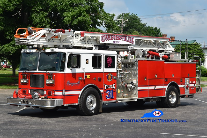 Owingsville  Truck 31<br /> x-Rossmoyne & Sycamore Twps, OH and Royersford, PA <br /> 1993 Seagrave TR 1500/300/100'<br /> Greg Stapleton photo