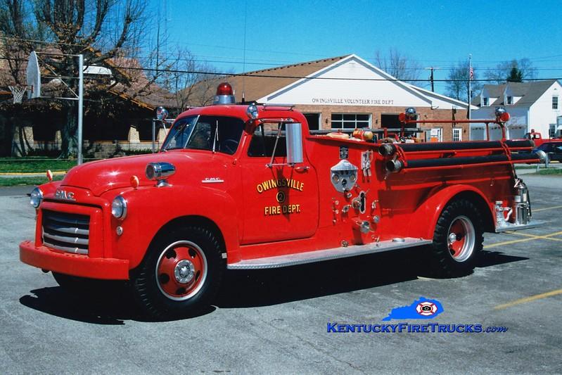 <center> Owingsville   Antique  <br> 1952 GMC 300/Central 500/300  <br> Greg Stapleton photo </center>