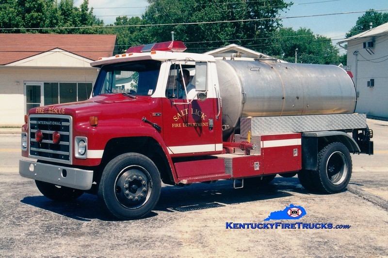 <center> RETIRED <br> Salt Lick  Tanker 2 <br> x-Bardstown-Nelson County, KY <br> 1983 International S/Local 0/1500  <br> Greg Stapleton photo </center>