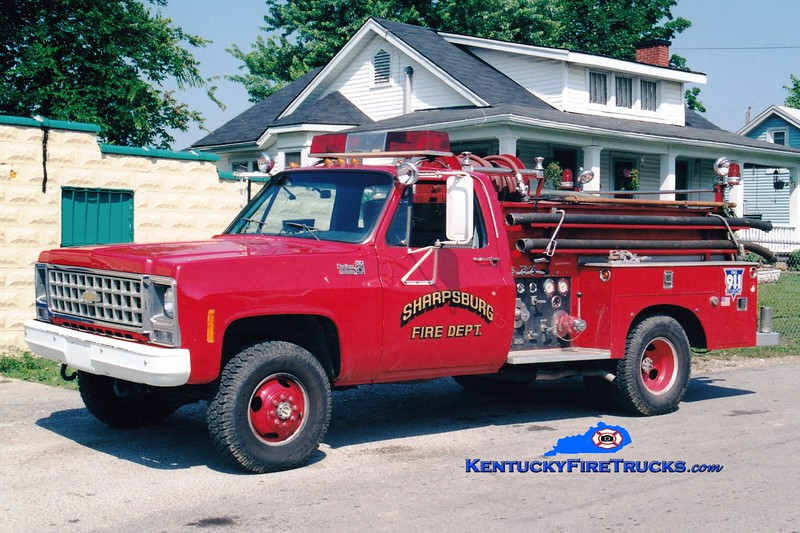 <center> BODY NOW ON RESCUE 71 <br> Sharpsburg  Engine 2  <br> 1980 Chevy 4x4/Allegheny 250/250 <br> Greg Stapleton photo </center>