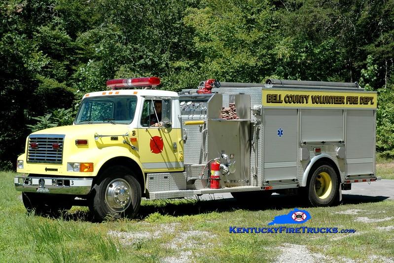 <center> Bell County Pumper 3  <br> 1999 International 4900/E-One/Saulsbury 1250/1000 <br> Greg Stapleton photo </center>