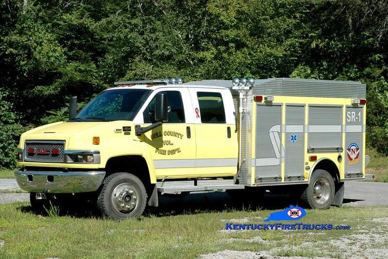 <center> Bell County Rescue 1  <br> 2006 GMC C5500 4x4/Wynn  <br> Greg Stapleton photo </center>