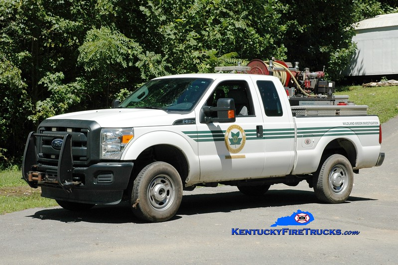 <center> Kentucky Division of Forestry   <br> 2015 Ford F-350 4x4/KDF 250/250 <br> Greg Stapleton photo </center>