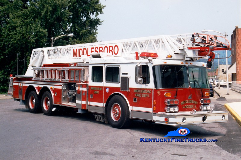 <center> Middlesboro  Ladder 2  <br> 1994 Simon-Duplex/Smeal 1500/300/100' <br> Greg Stapleton photo </center>