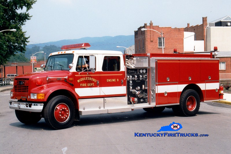 <center> Middlesboro  Engine 9  <br> 1995 International 4900/ 1250/1000 <br> Greg Stapleton photo </center>