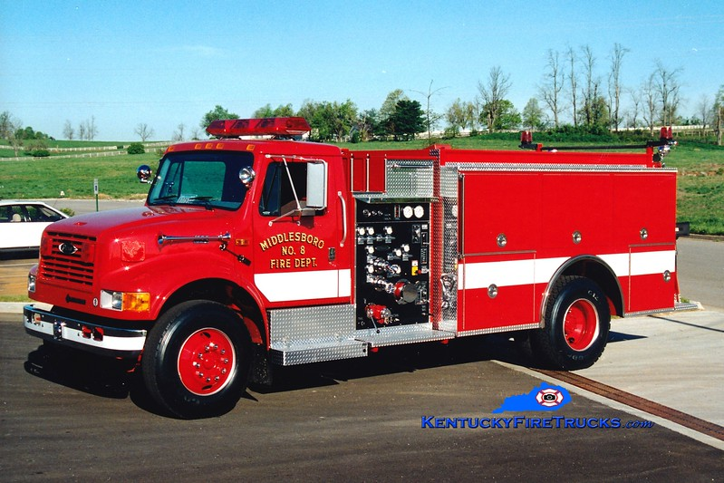 <center> Middlesboro  Engine 8  <br> 1995 International 4900/ 1250/1000 <br> Greg Stapleton photo </center>
