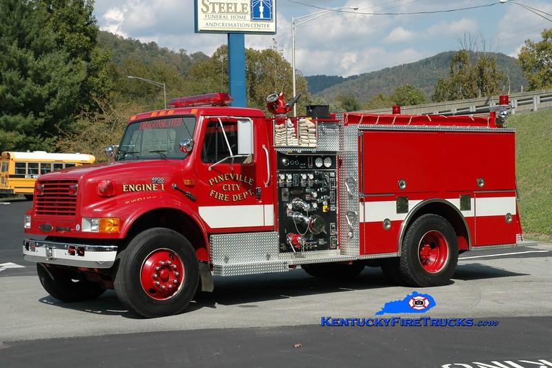 <center> Pineville  Engine 1  <br> 1994 International 4900/Pierce 1250/1000 <br> Greg Stapleton photo </center>