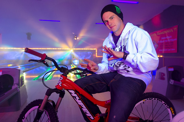 Cam Zink signs with Hyper Bikes