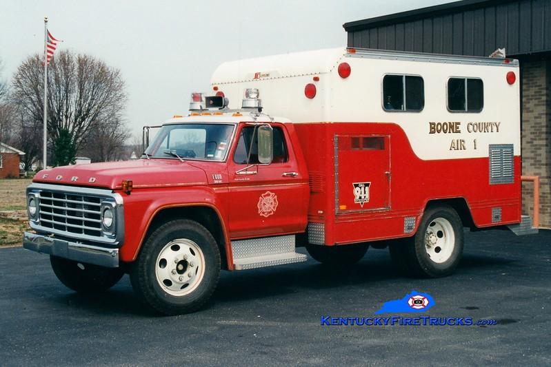 <center> RETIRED <br> Boone County Fire Association Air 1 <br> x-Kenton County Fire Association, KY <br> 1979 Ford F/Supreme <br> Greg Stapleton photo </center>