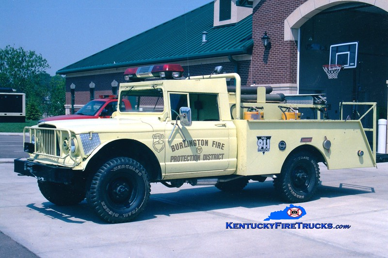 <center> RETIRED <br> Burlington  Brush 707 <br> x-Military <br> 1969 Jeep M715 4x4/1980s Summit 150/200 <br> Greg Stapleton photo </center>