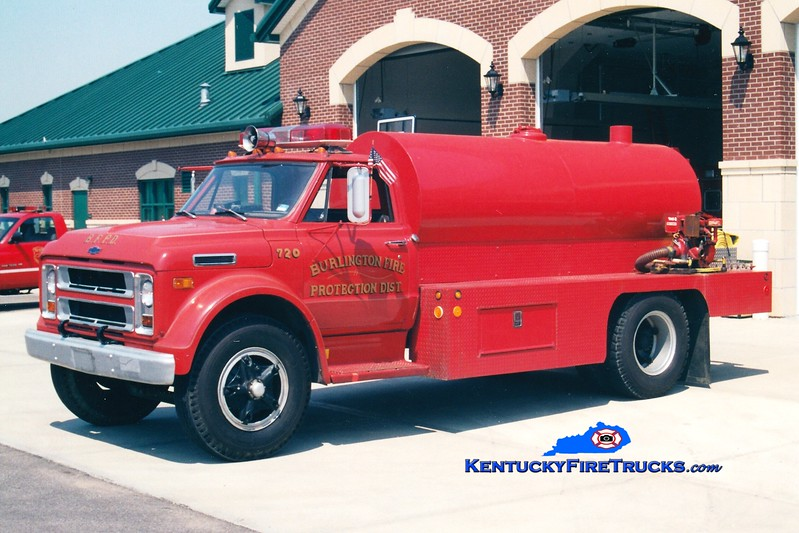 <center> RETIRED <br> Burlington  Tanker 720 <br> 1972 Chevy/Local 250/1800 <br> Greg Stapleton photo </center>