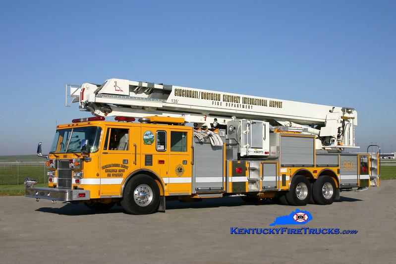 <center> RETIRED <BR> Cincinnati/Northern Kentucky International Airport  Aerial 960 <br> 1995 Pierce Lance 1500/300/135' Bronto Sky Lift  <br> Kent Parrish photo </center>