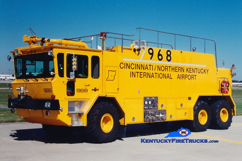 <center> RETIRED <BR> Cincinnati/Northern Kentucky International Airport  Crash 968 <br> 1986 Oshkosh T3000 1500/3000/410 <br> Greg Stapleton photo </center>