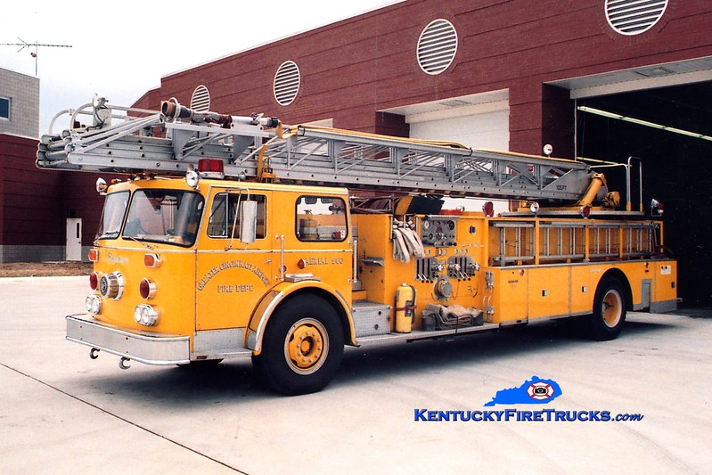 <center> RETIRED <BR> Cincinnati/Northern Kentucky International Airport  Aerial 960 <br> 1976 Seagrave SR 1500/200/100'  <br> Greg Stapleton photo </center>