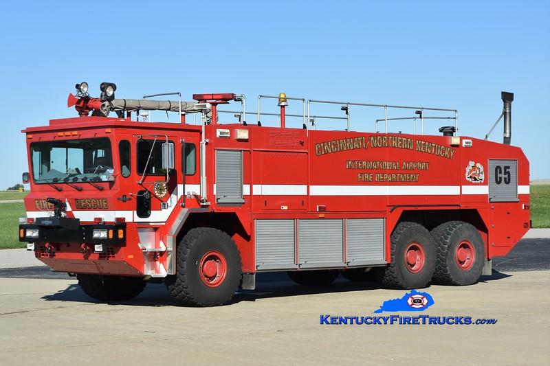 Cincinnati/Northern Kentucky International Airport Crash 5<br /> x-Crash 969<br /> 2001 Oshkosh T3000 1750/3000/420F/460H<br /> Greg Stapleton photo