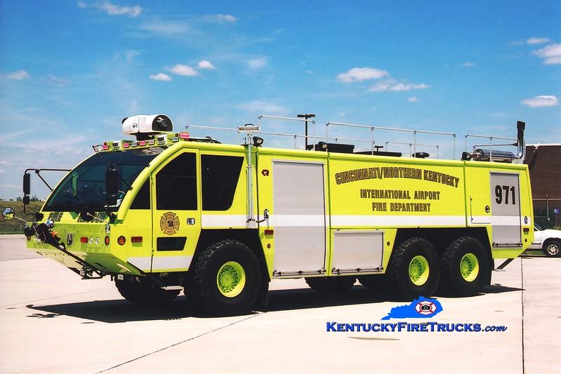 <center> Cincinnati/Northern Kentucky International Airport  Crash 971 <br> 2005 Rosenbauer Panther 2000/3000/450F/500H <br> Greg Stapleton photo </center>