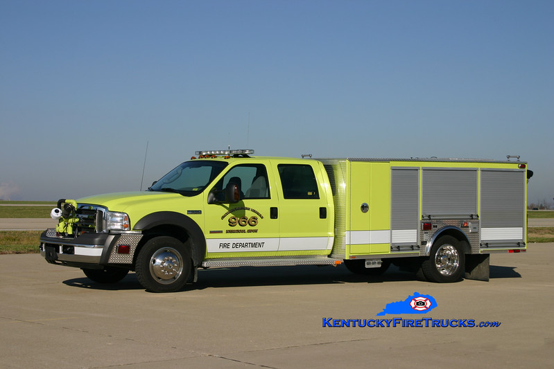 <center> Cincinnati/Northern Kentucky International Airport  Unit 966 <br> 2005 Ford F-550 4x4/Ferrara 500/300/40 <br> Kent Parrish photo </center>
