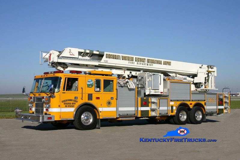 <center> RETIRED <BR> Cincinnati/Northern Kentucky International Airport  Aerial 960 <br> 1995 Pierce Lance 1500/300/135' Bronto Sky Lift  <br> Kent Parrish photo </center>