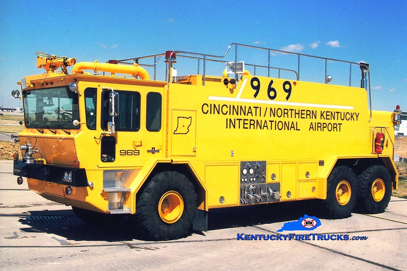 <center> RETIRED <BR> Cincinnati/Northern Kentucky International Airport  Crash 969 <br> 1986 Oshkosh T3000 1500/3000/410 <br> Greg Stapleton photo </center>