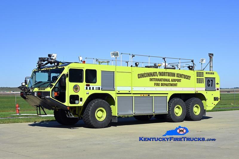 Cincinnati/Northern Kentucky International Airport Crash 7<br /> x-Crash 970<br /> 2007 Oshkosh Striker 1950/3000/500F/500DC<br /> Kent Parrish photo