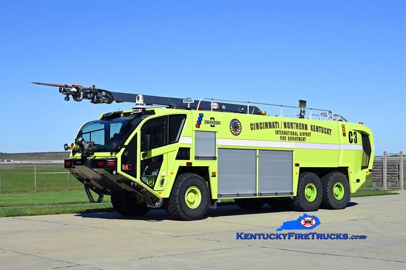 Cincinnati/Northern Kentucky International Airport Crash 3<br /> x-Crash 968<br /> 2014 Oshkosh Global Striker 1950/3000/420F/550DC/50' Snozzle<br /> Kent Parrish photo