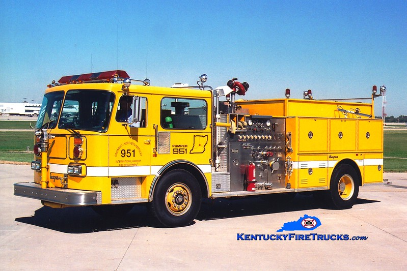 <center> RETIRED <br> Cincinnati/Northern Kentucky International Airport  Pumper 951<br> 1986 Seagrave HB 1500/1000/100 <br> Greg Stapleton photo </center>