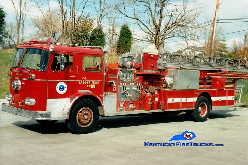<center> RETIRED <br> Florence  Ladder 111 <br> x-Ft Mitchell, KY <br> 1964 Seagrave KAQ 1000/300/85'  <br> Greg Stapleton photo </center>