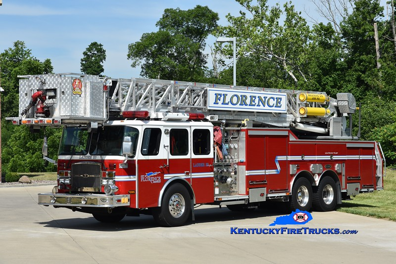 Florence Ladder 33  <br /> x-Ladder 110<br /> 2005 E-One Cyclone II 2000/300/95'<br /> Greg Stapleton photo