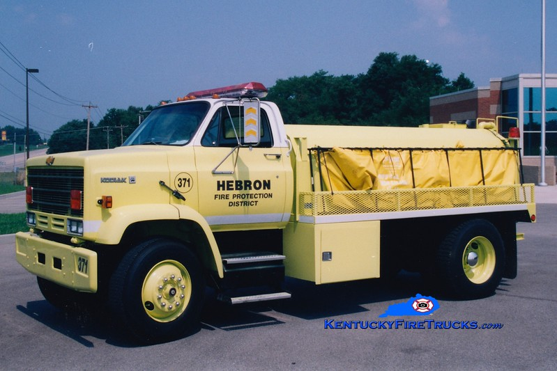 <center> RETIRED <br> Hebron  Tanker 371  <br> 1985 Chevy Kodiak/Warren 0/1800 <br> Greg Stapleton photo </center>