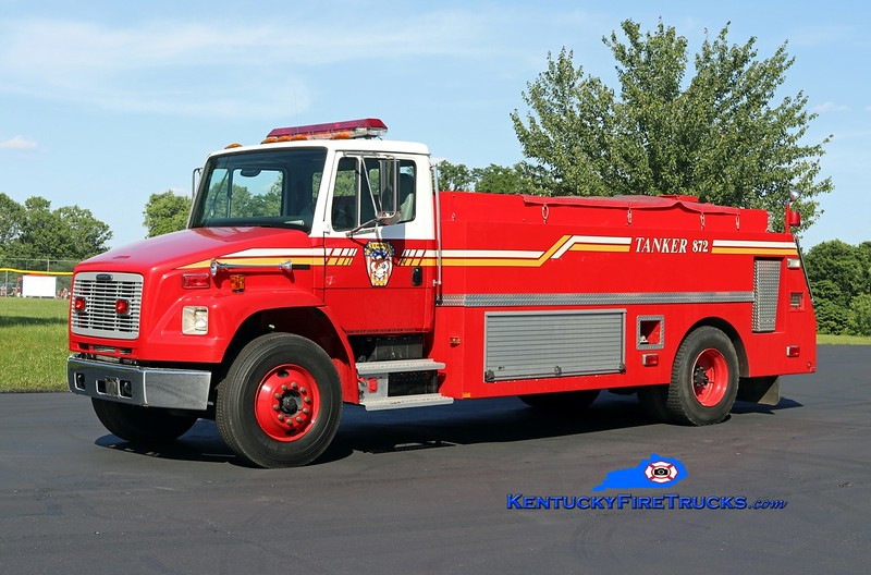 Verona  Tanker 872<br /> x-Union, KY<br /> 2001 Freightliner FL80/Monroe Truck Equipment 0/2000<br /> Kent Parrish photo