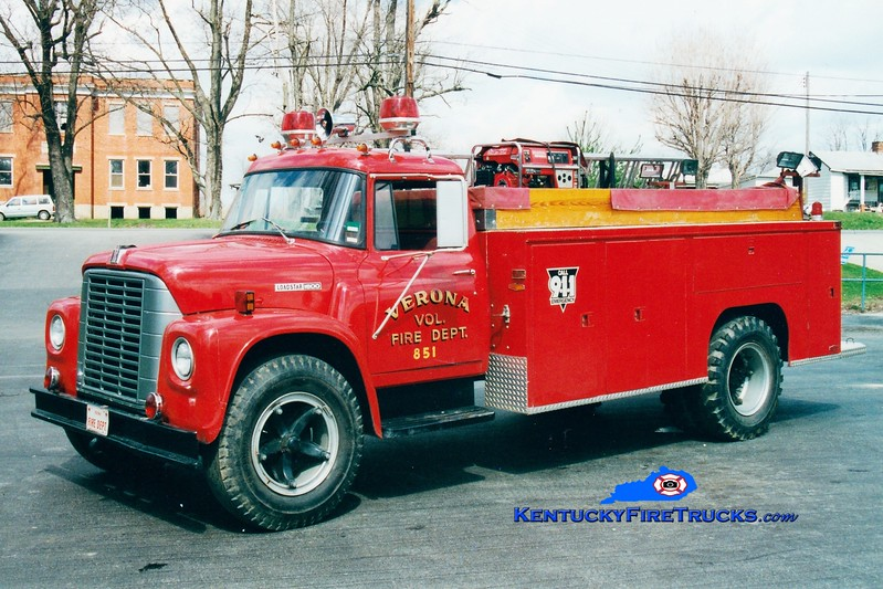 <center> RETIRED <br> Verona  Engine 851 <br> 1974 International/Pierce 250/800  <br> Greg Stapleton photo </center>