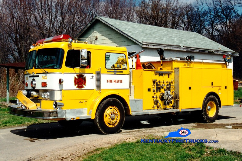 <center> RETIRED <br> Walton  Engine 303 <br> x-Golden Valley, MN <br> 1973 American LaFrance Pacemaker 1500/750  <br> Greg Stapleton photo </center>