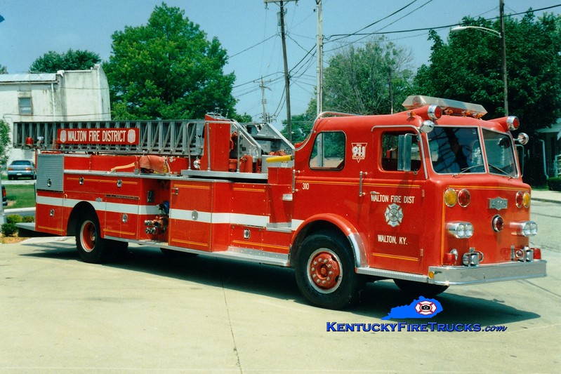 <center> RETIRED  <br> Walton  Truck 310 <br> x-Montgomery, OH <br> 1966 Pirsch 1250/250/85'  <br> Greg Stapleton photo </center>