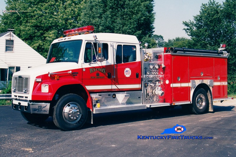 <center> Walton  Engine 301 <br> 2002 Freightliner FL80/E-One/Superior 1250/1000  <br> Greg Stapleton photo </center>