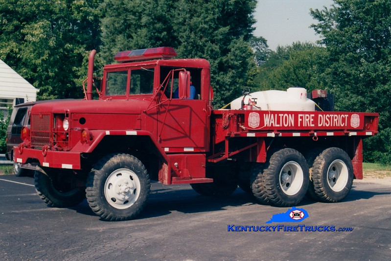 <center> RETIRED <br> Walton  Brush 321 <br> x-Golden Valley, MN <br> 1971 AM General/FD 250/500 <br> Greg Stapleton photo </center>