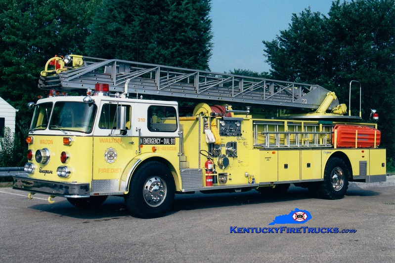 <center> RETIRED <br> Walton  Ladder 310 <br> x-Waupin, WI <br> 1975 Seagrave SR 1000/500/85'  <br> Greg Stapleton photo </center>