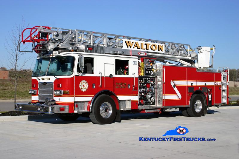 <center> Walton  Ladder 310 <br> 2008 Pierce Arrow XT 2000/400/20/75'  <br> Kent Parrish photo </center>