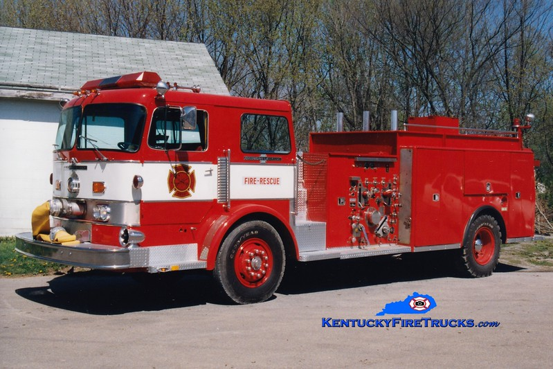 <center> RETIRED <br> Walton  Tanker 319 <br> x-Golden Valley, MN <br> 1973 American LaFrance Pacemaker/1998 Local 1500/1500  <br> Greg Stapleton photo </center>