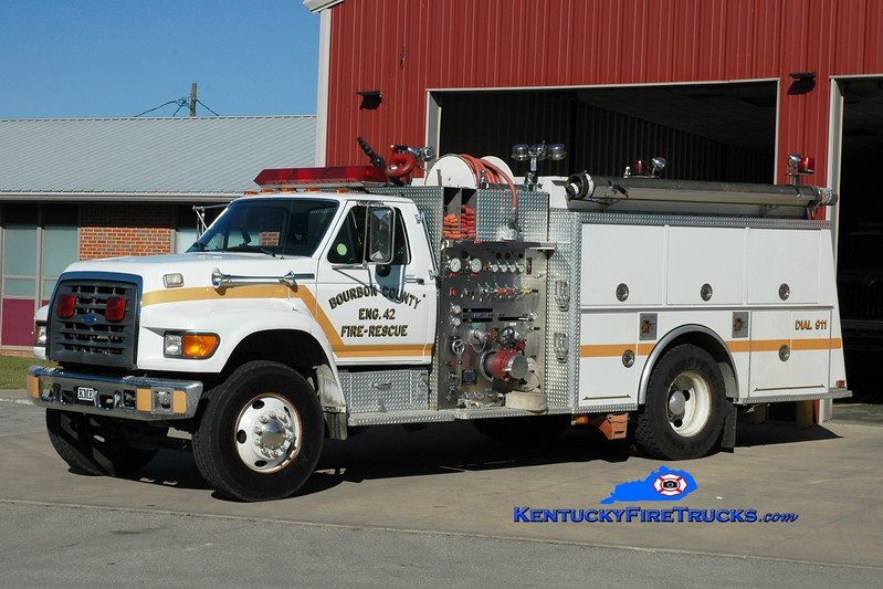 <center> Bourbon County  Engine 42 <br> 1996 Ford F-800/KME 1250/1000 <br> Greg Stapleton photo </center>