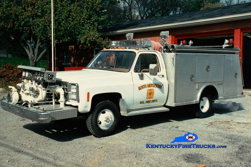<center> North Middletown  Engine 17 <br> x-Onesqethaw, NY <br> 1980 Chevy/Saulsbury 750/250 <br> Greg Stapleton photo </center>