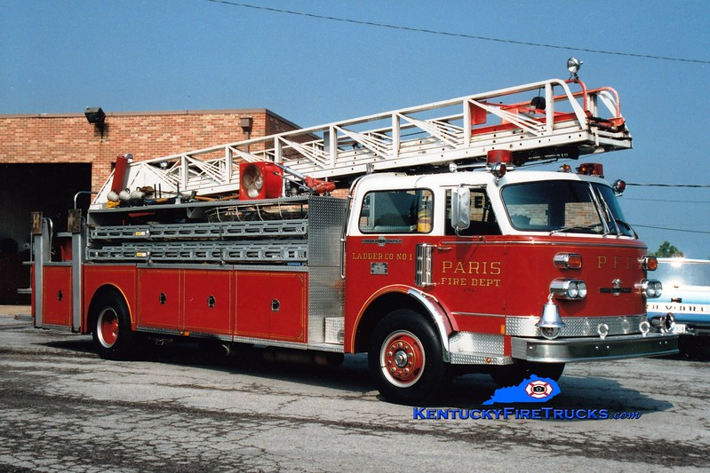 <center> RETIRED <br> Paris  Ladder 1  <br> 1975 American LaFrance Century 100'  <br> Greg Stapleton photo </center>